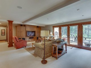 Stunning updated home w/ shared pool/hot tub & plenty of space to enjoy!