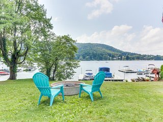 Lakefront home w/ private dock, patio, firepit & lake views - dogs welcome!