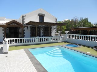 Private Large 4 bedroom villa with heated swiming pool, in a great location