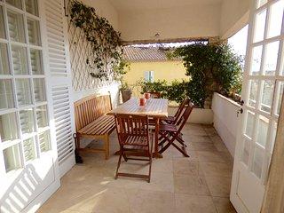 Magnifique appartement neuf au coeur du village de Grimaud