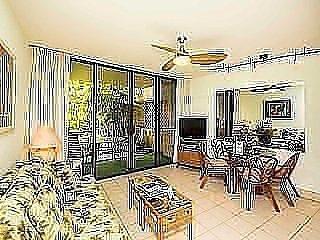 Lanai to Koi Pond! Bath+Kitchen Upgrade, WiFi, Flat Screen, Ceiling Fans–Paki