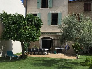 New - Elegant Vigneron on the Canal du Midi with private pool, sleeps 12
