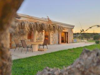Villa Iridanos / Near the sea