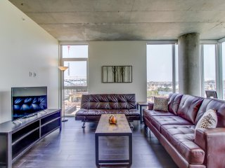 Spacious Luxury Apartments in Portland's Pearl District Lic1316