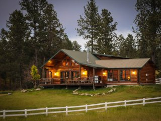 Whitetail Springs, Log home on 17 acres