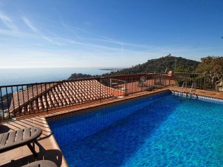 Catalunya Casas: Modern villa in Blanes for 12 guests, with views of the Mediter