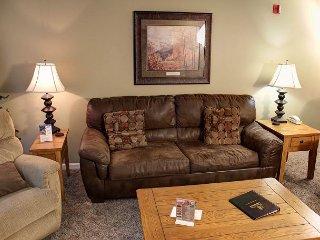 Granite Counters • King Beds • 4th Floor • Sleeps 6