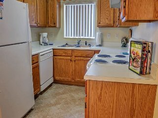 2 BR in Downtown Pigeon Forge, City View, Free Tickets, Indoor Pool OPEN