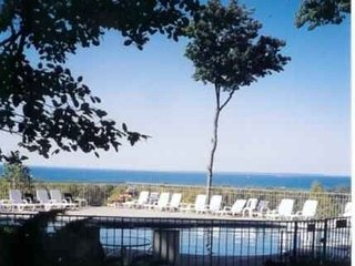 Nice Condo-Discounted 25% --Quick Bookings for Your Getaway