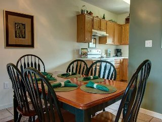 Downtown PF 3 BR, Indoor Pool, City View, Free Tickets