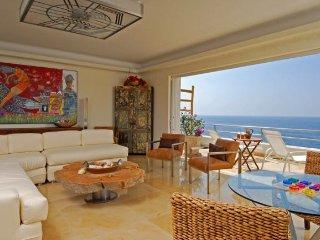 4 br Stunning ocean front Villa in Conchas Chinas