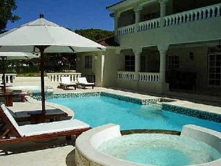 Lifestyle 5 Bed Villa - Chairman's- LOWEST ALL INCLUSIVE- VIP Gold Bands