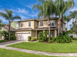ONLY 3 Miles to Disney! 6Bd/5Ba Home Movie Theater, Private Pool, Theme Rooms