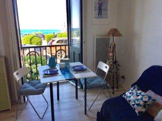 Biarritz front de mer, studio plage a pieds, wifi