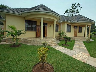 BUNGALOWS IN KAMPALA /MUNYONYO