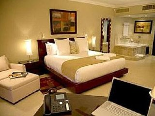 Luxury Studio Presidential Suite , VIP Gold Bands- Chairman's Circle Affiliate!
