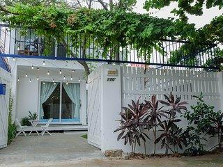 Fleur House Danang - Lovely garden near the beach