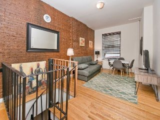 Times Square 2 BED DUPLEX - 1st Floor - EASY DEAL - GREAT SAVINGS - Blowout