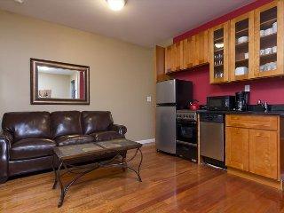 Midtown East 3 BED 2 FULL BATH - BIG APT - MODERN FURNITURE - FAMILY SIZE NEW