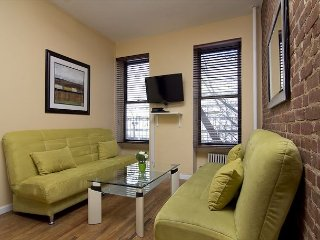 Times Square 3 Bed 1 Bath EXTREMELY COMFORTABLE - Charming