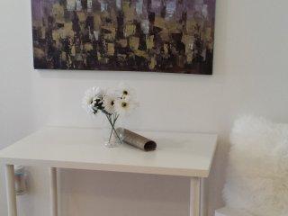 Cozy Apartment Downtown/Apartement Douillet au Centre-Ville