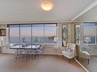 RAG10 - Stunning Panoramic Views, Executive Retreat