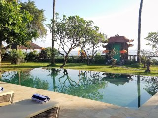 The Mahalani - All-Inclusive Oceanfront Villa