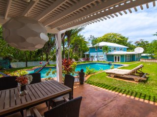 Paradise Found - Sleeps 14