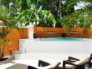 YAI LAND - The Luxurious Tropical Villa - POOL - GREAT LOCATION PATTAYA - 5 BEDS