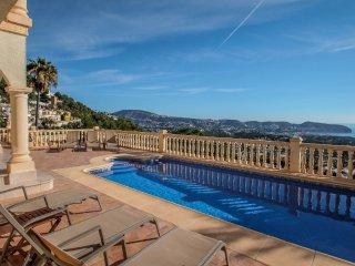Mimo - sea view villa with private pool in Moraira-Teulada