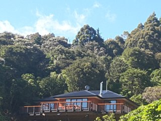 Marlborough Sounds Brand New Family Friendly House. Kayaks available free use