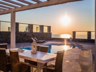 Villa Delmar 1| Pool | Seafront | Best sunset view!!