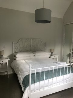 Main bedroom with king bed and en-suite