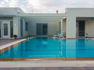"Villa ""Aelia"". Astonishing/pool/close to sea"