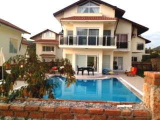 Orka Valley 8, Superb spacious 4 bed villa, with free wi fi