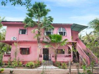 Well-appointed 2 BHK homestay, near Majodra Beach