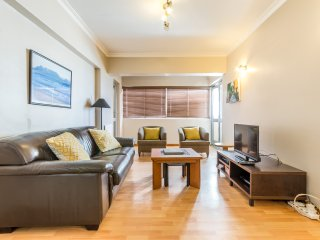 Upmarket 2 Bedroom Apartment on Beach Road, Mouille Point