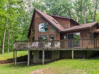 Dog-friendly lakefront cabin w/ private dock and great views - close to skiing