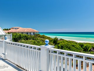 Blue Whale-6BR on 30A-OPEN 9/24-9/26 $1527! PRIVATE Pool- Walk to Beach- FunPass