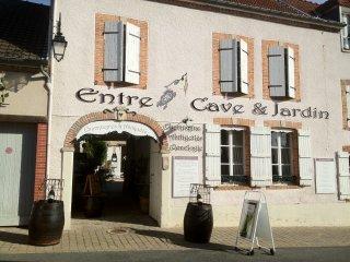 Une demeure vigneronne chez un antiquaire et un winemaker ( oenologue)