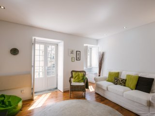 New cozy and charming apartment in historic Alfama