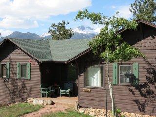 Longs Peak Lookout Cabin