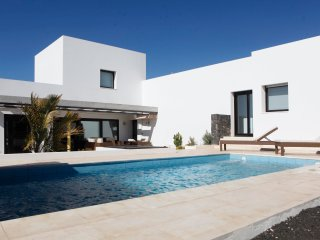 Villa Nueva - 2.  LUXURY VILLA WITH PRIVATE POOL