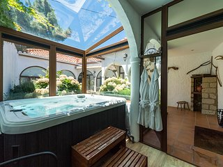 Canary Cottage with Jacuzzi