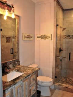 Bathroom 2 private ensuite