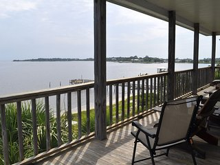 Seahorse Landing #503 Beautiful Gulf Front Vacation Condo Rental Cedar Key, FL