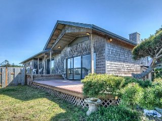 Sea View--R597--Ocean View Bayshore spacious retreat home