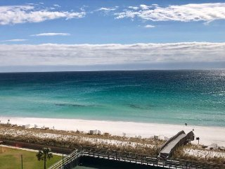 Gorgeous 1 BR condo #709 overlooking the Emerald Coast!!