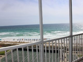 Spend your vacation on top of Destin in luxurious condo #708 on 7th floor!