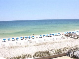 Book this gorgeous 1BR gulf-front condo 522 for your perfect vacation now!